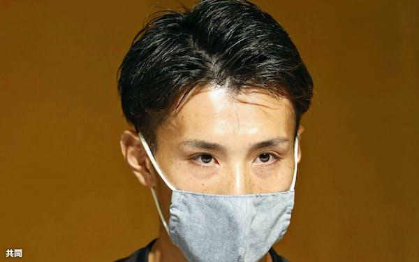 取材に応じる東京五輪男子マラソン代表の服部勇馬(16日、北海道網走市)=共同