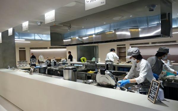 初の社員食堂「火と人」は、減塩や野菜をふんだんに使ったメニューを提供(福岡市)