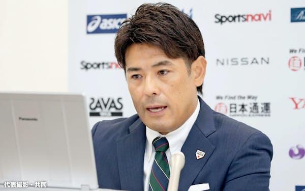 オンラインで取材に応じる野球日本代表の稲葉篤紀監督(17日、札幌市)=代表撮影・共同