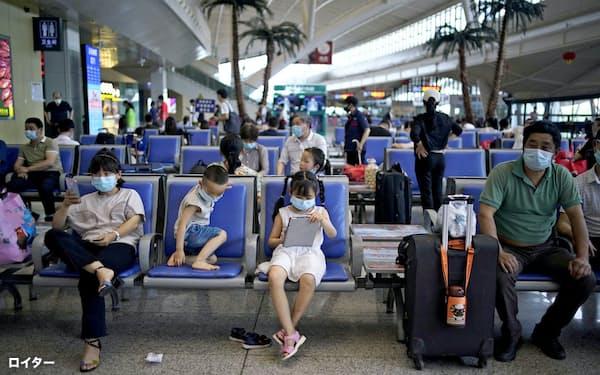 WHOの調査は武漢市などで実施される可能性がある(5月、武漢市の鉄道駅)=ロイター