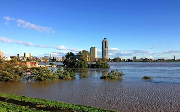 荒川は2019年の台風19号で氾濫危険水位に達した(19年10月)