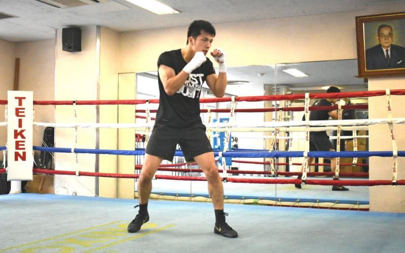 ジムの配慮で、村田は「密」を避けるために基本的に一人で練習している(東京・神楽坂の帝拳ジム)