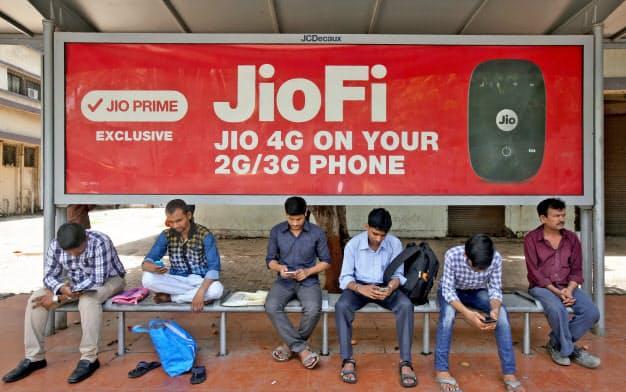 米国のネット大手がこぞってインドEC市場に参画する(ロイター)