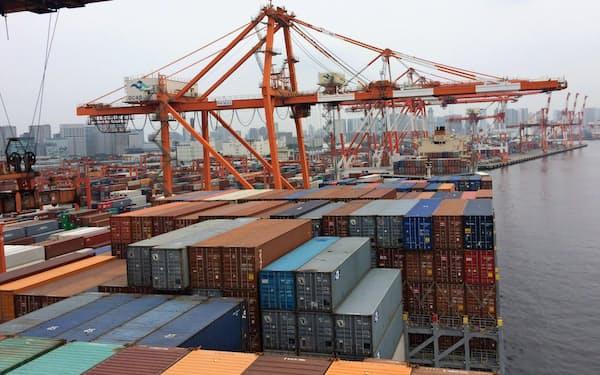 貿易赤字が増加