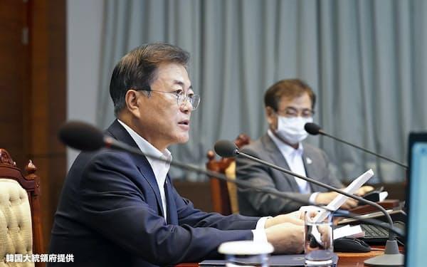 女性の人権に関心が高い文在寅大統領もソウル市長のセクハラ疑惑には沈黙を守る=韓国大統領府提供
