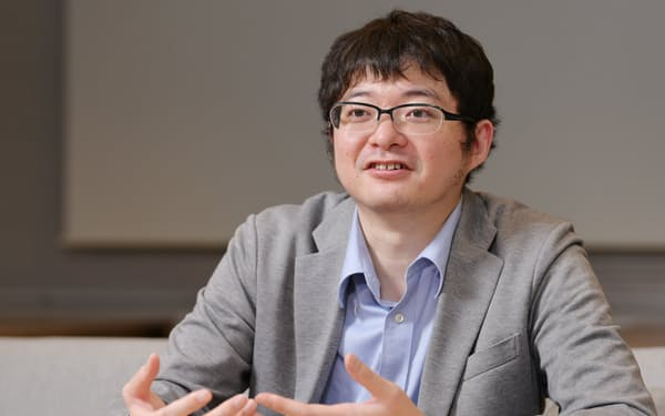 にしかわ・とおる 06年東京大学大学院在学中に検索エンジン開発のプリファード・インフラストラクチャーを創業。14年深層学習の事業を切り出してプリファード・ネットワークスを設立。37歳