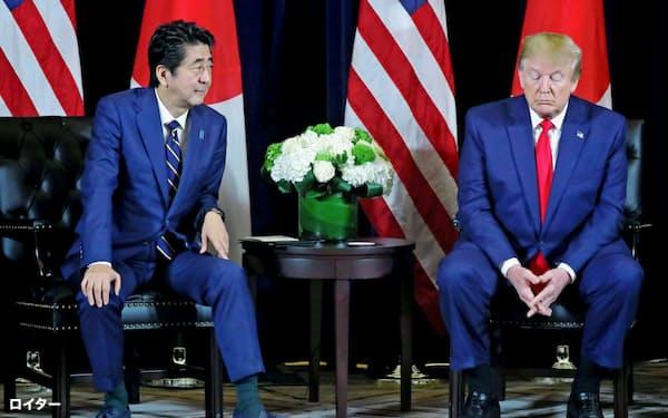 新型コロナ危機で各国首脳の支持率が上がっているなか、安倍首相とトランプ大統領は低迷している=ロイター