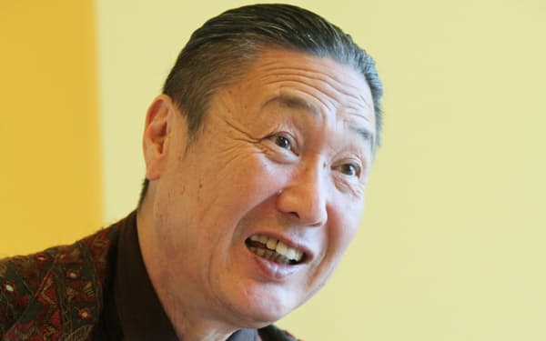 ファッションデザイナーの山本寛斎さん(2010年)