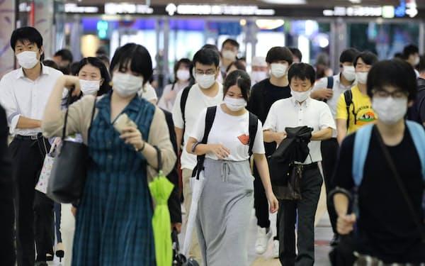 福岡県では感染が拡大している(27日、JR博多駅)