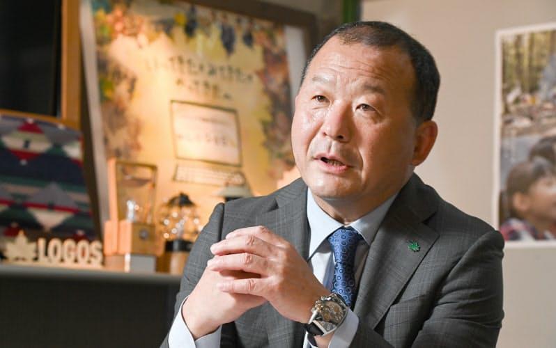 しばた・しげき 1956年大阪市生まれ。大阪のスポーツ用品卸会社を経て、82年に祖父が創業した大三商事(現ロゴスコーポレーション)に入社。98年に社長就任。85年のロゴスブランド立ち上げ時から商品企画も手掛ける。