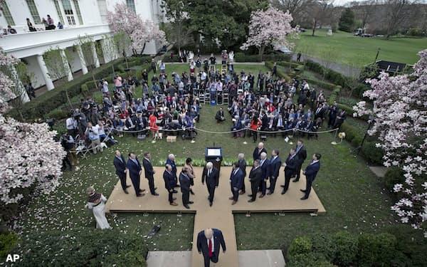 ホワイトハウスのローズガーデン=AP