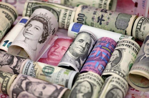 円相場は一時、対ドルで104円台を付けた=ロイター