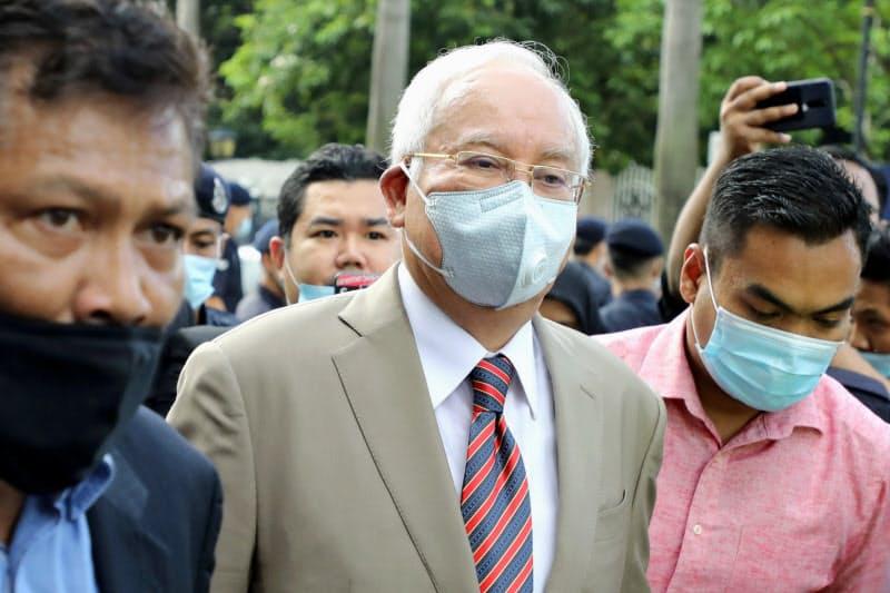 マレーシアのナジブ元首相の汚職事件は一審で有罪判決に(7月28日、クアラルンプール高等裁判所)=ロイター