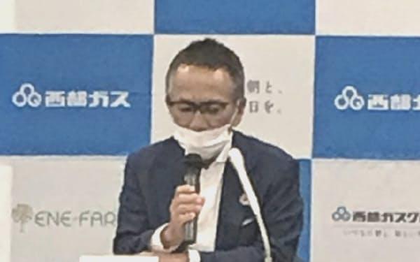 決算を発表する西部ガスの道永幸典社長(29日、福岡市)