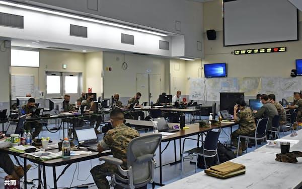 米軍の24時間体制の新型コロナ対策室(24日、沖縄県のキャンプ瑞慶覧)
