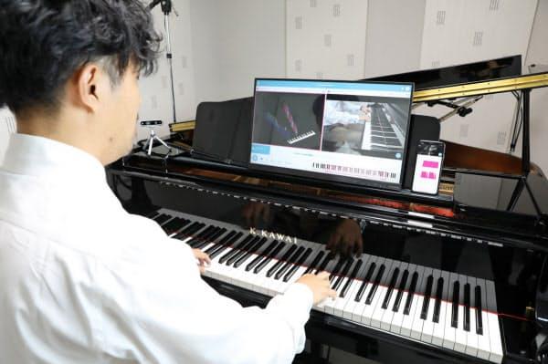 鍵盤に組み込まれたセンサーで打鍵の強さなどを認識する