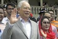 マレーシアのナジブ元首相夫妻(2018年7月、クアラルンプール)=AP