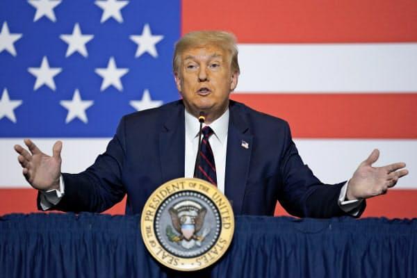 トランプ米大統領は30日、11月に予定している大統領選挙の延期の可能性に初めて言及した=AP