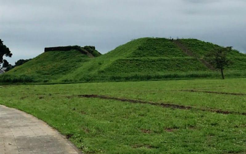 現在は修復され墳丘にも登れる稲荷山古墳(埼玉県行田市)