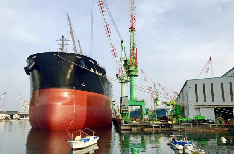 中韓勢との受注競争で国内造船大手の収益は悪化している