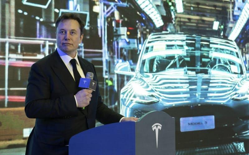 テスラ、トヨタ超え本物か 利益の2割超ソフトで稼ぐ