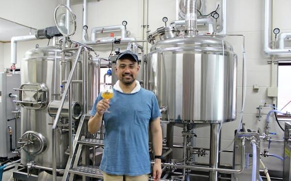 ビール造りは奥が深いと話す荒木信也代表(熊本県天草市)