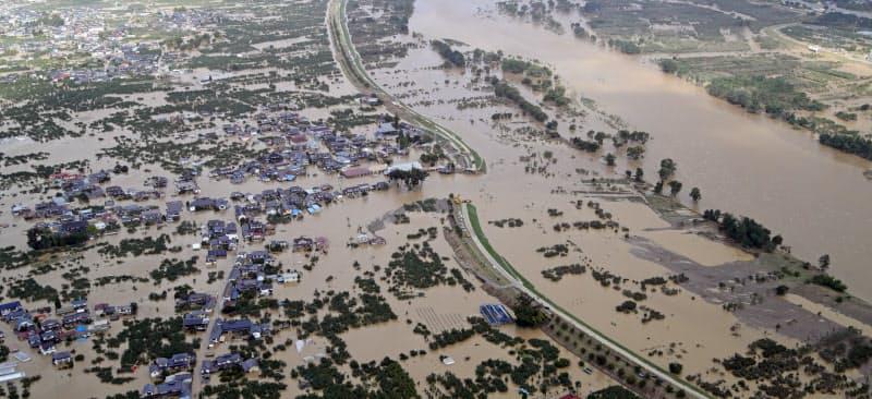 水害対策には気象情報や拠点周辺の情報など幅広い情報収集が求められる