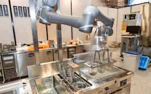 コネクテッドロボティクスのそばロボットはゆで、洗い、締めまで自動で担う