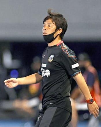 今季限りの5人交代枠を、川崎・鬼木監督はここまで全試合で使い切っている=共同