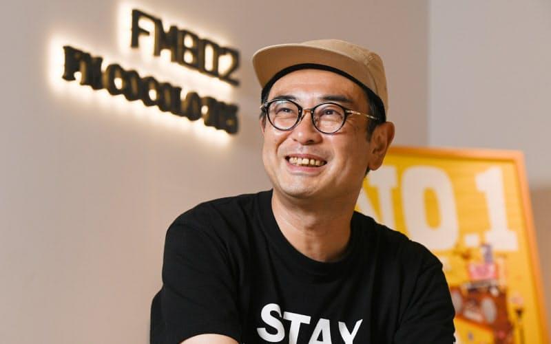 なかじま・ひろと 1968年熊本市生まれ。91年に地元・熊本でラジオDJを始め、93年にエフエム九州(現CROSS FM、北九州市)のDJに。94年秋に大阪に拠点を移して以降、FM802(大阪市)の看板DJとして活動する。