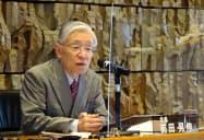 記者会見するNHKの前田晃伸会長