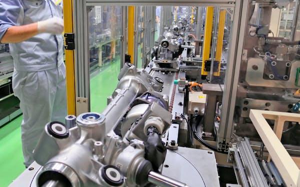 製造業の不振が幅広い企業の業績に響く(ジェイテクトの工場)