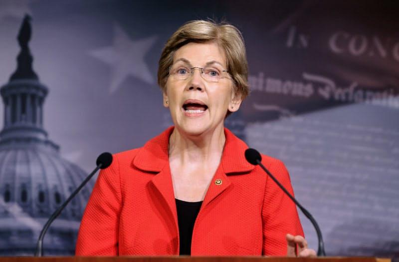 エリザベス・ウォーレン上院議員(7月、ワシントン)=ロイター