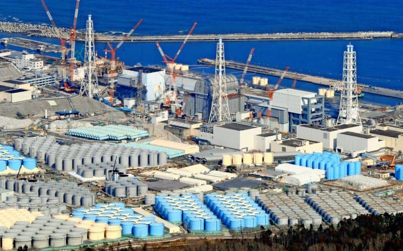 福島第1原発では廃炉作業が続く(19年3月撮影)