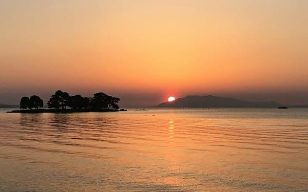 宍道湖は淡水と海水が混じり合う(島根県)