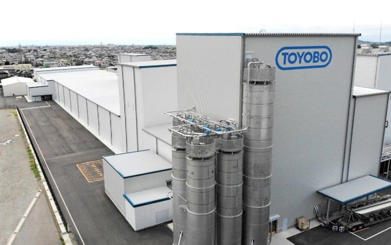 東洋紡が新設した液晶ディスプレー向けフィルムの製造設備(愛知県犬山市)