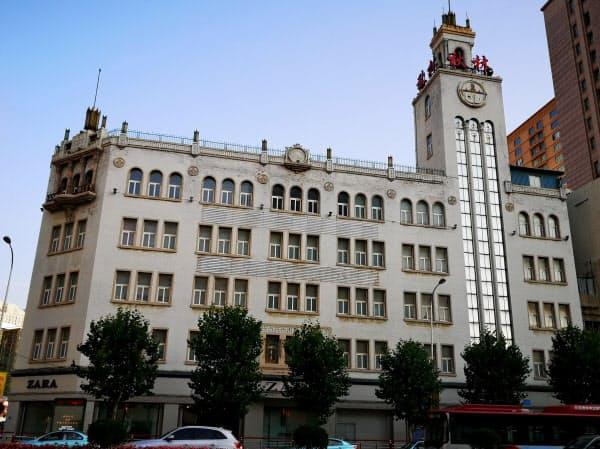 旧三越百貨店大連支店にはファストファッションの「ZARA」が出店している(遼寧省大連市)