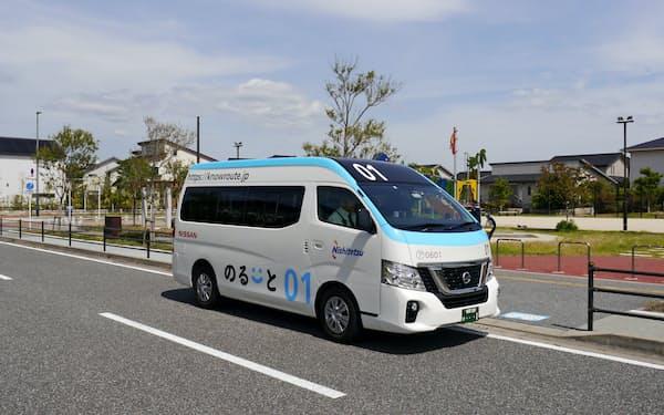 福岡県内で運行する「のるーと」のマイクロバス