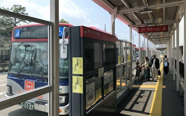 郊外から都市部へ向かうため「青山バス停」で新潟駅前行きのバスに乗り換える