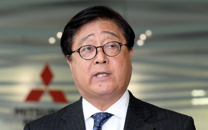 三菱自動車の益子会長が退任 経営を16年間主導