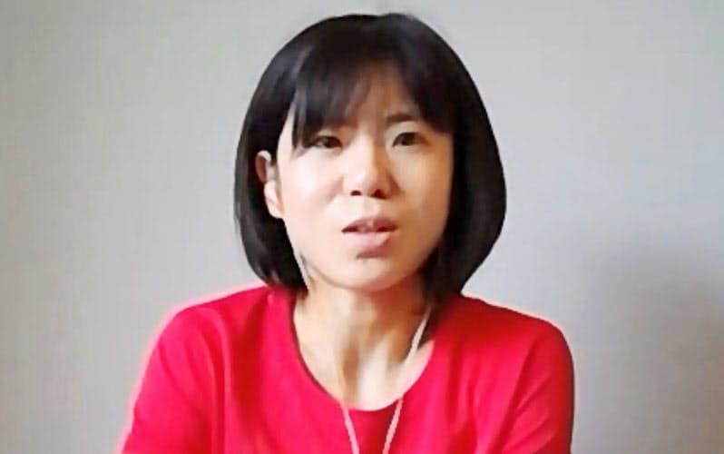 オンライン取材に応じる東京五輪女子マラソン代表の鈴木亜由子(7日)=共同