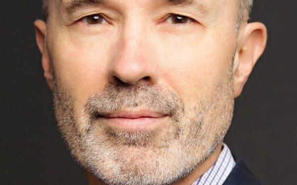 Richard McGregor 豪紙オーストラリアンを経て、英紙フィナンシャル・タイムズで北京、上海支局長。著書に「Asia's Reckoning(アジアでの審判)」など。