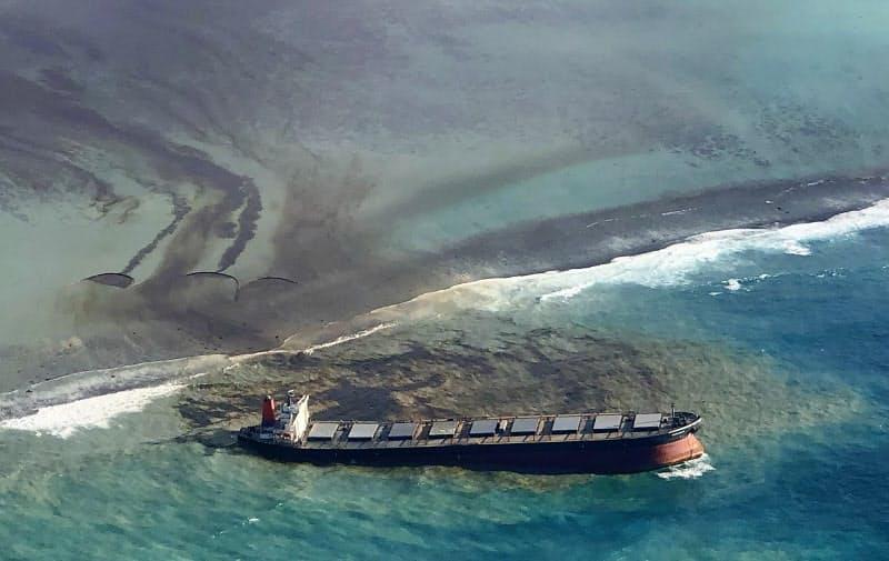 重油1000トン超流出 モーリシャスの環境・生態系に影響
