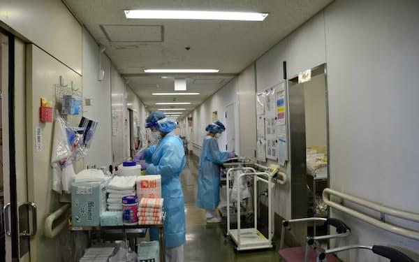 「第1波」で集団感染が発生した経験から、小田原市立病院では検査や個室管理を徹底している(同病院提供)
