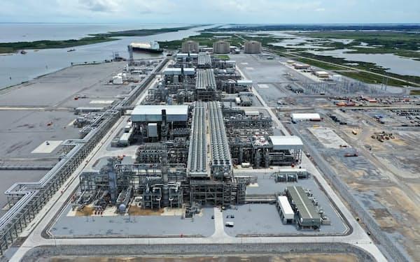 工事遅延などが問題となったキャメロンLNGプロジェクトが全面稼働した(米ルイジアナ州)