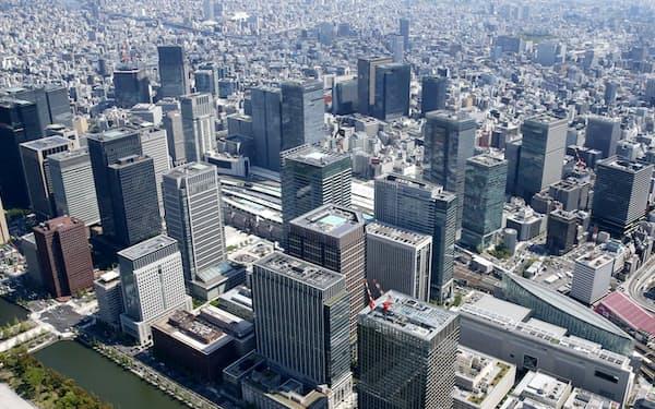 東京都心部はオフィスビルのニーズが高い(丸の内周辺の高層ビル群)