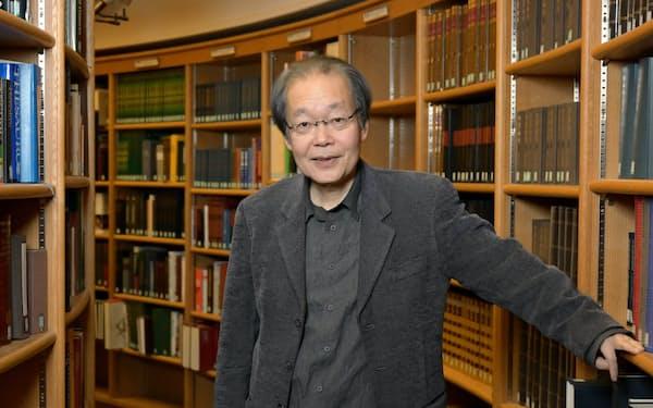 いのうえ・しょういち 1955年京都府生まれ。京大人文科学研究所助手を経て87年国際日本文化研究センター助教授。2020年4月同センター所長に就任。「阪神タイガースの正体」「京都ぎらい」「大阪的」など関西圏にまつわる著書多数。