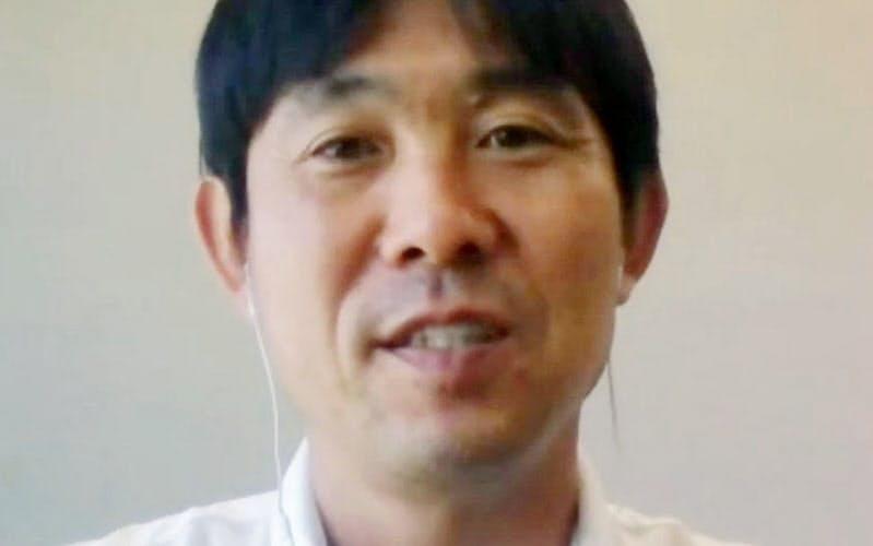 オンラインで取材に応じたサッカー日本代表の森保監督(11日)=共同