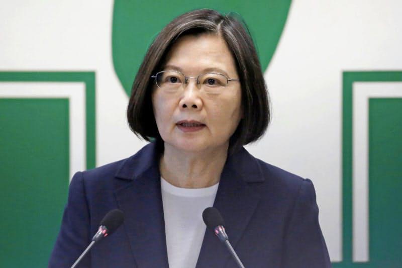 演説する台湾の蔡英文総統=ロイター