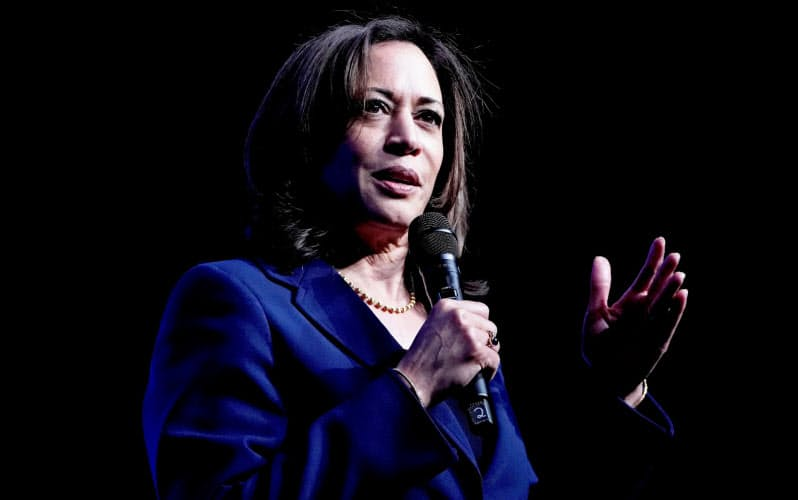演説するカマラ・ハリス上院議員(2019年11月、ラスベガス)=ロイター